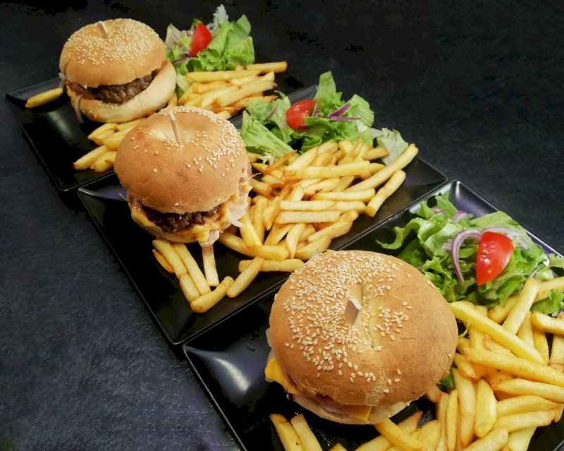 A La Petite Venise venez goûter nos nouveaux burgers
